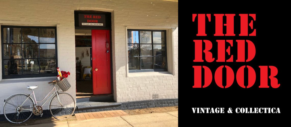 #The Red Door - Vintage & Collectica